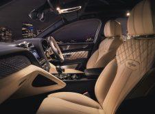 Bentley Bentayga Hybrid 7