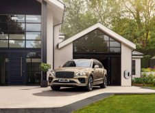 Bentley Bentayga Hybrid 8