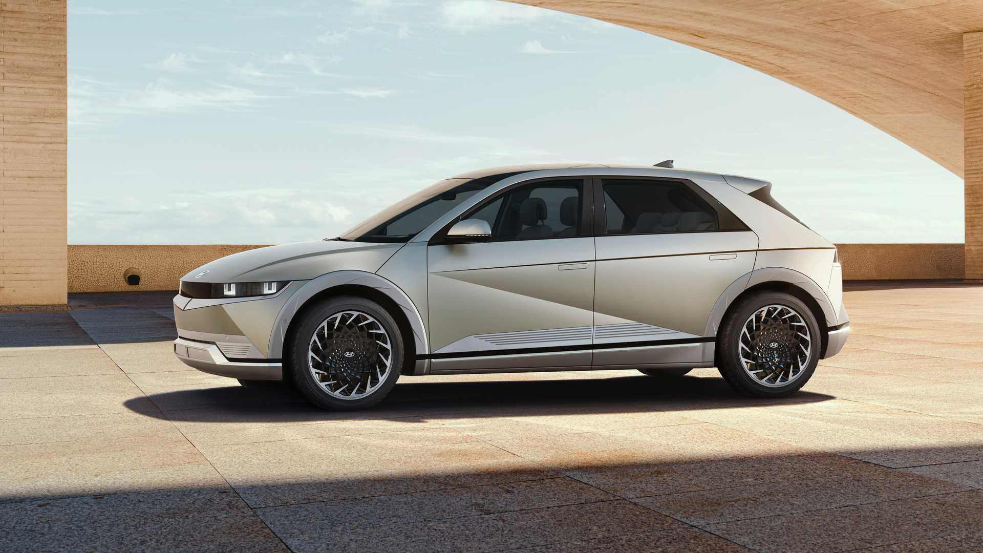 Hyundai Ioniq 5 Side View