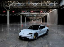 Porsche Taycan Turbo S Guinness Record View