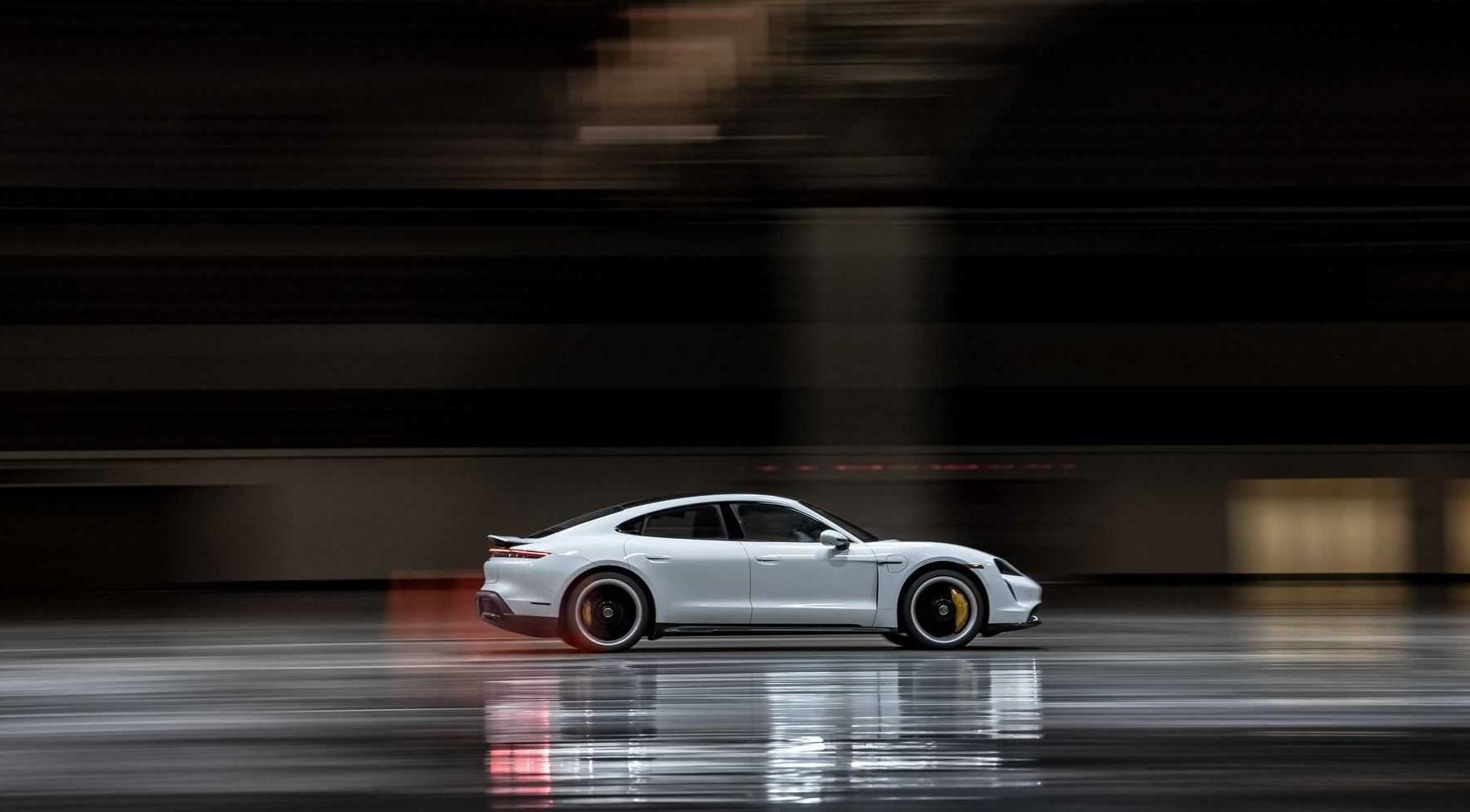 Porsche Taycan Turbo S Guinness Record