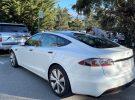 Cazado el primer Tesla Model S 2021… y el volante es redondo
