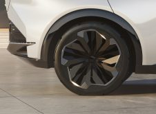 Lexus Ls Electrified 6