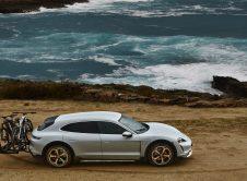 Porsche Taycan Cross Turismo Ebikes Beach