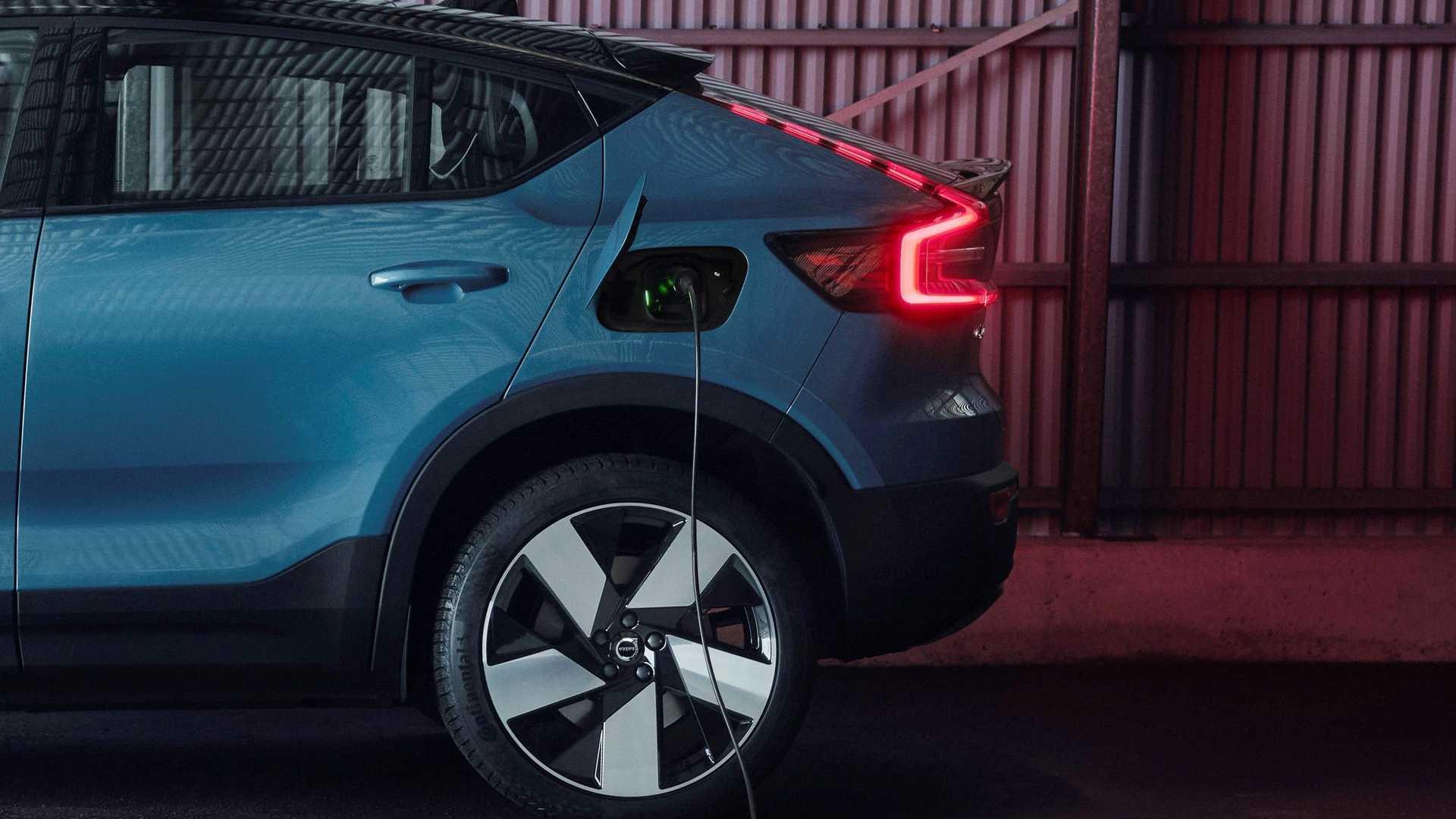 Volvo C40 Recharge Charging
