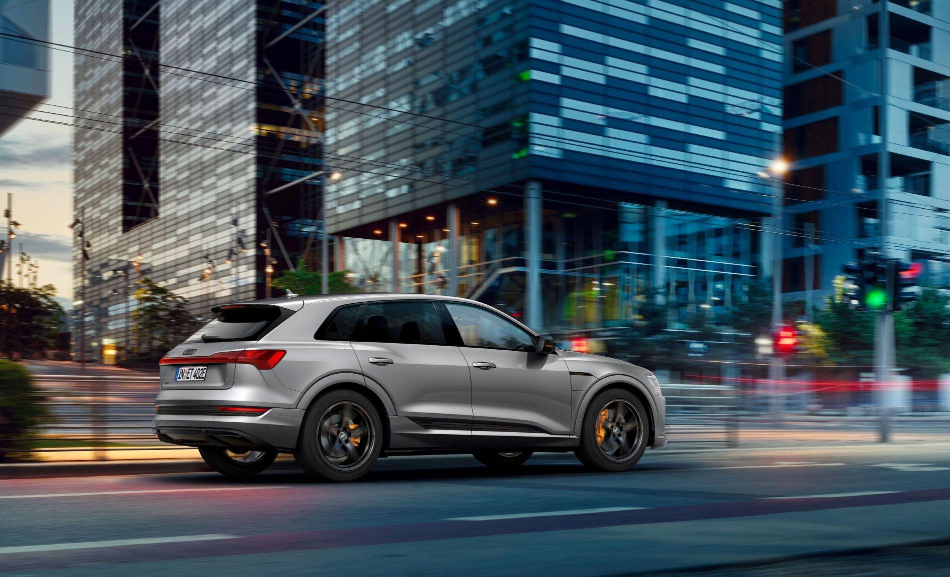Audi Etron S line black edition Back