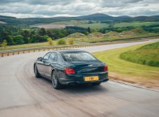 Bentley Flying Spur Hybrid 4