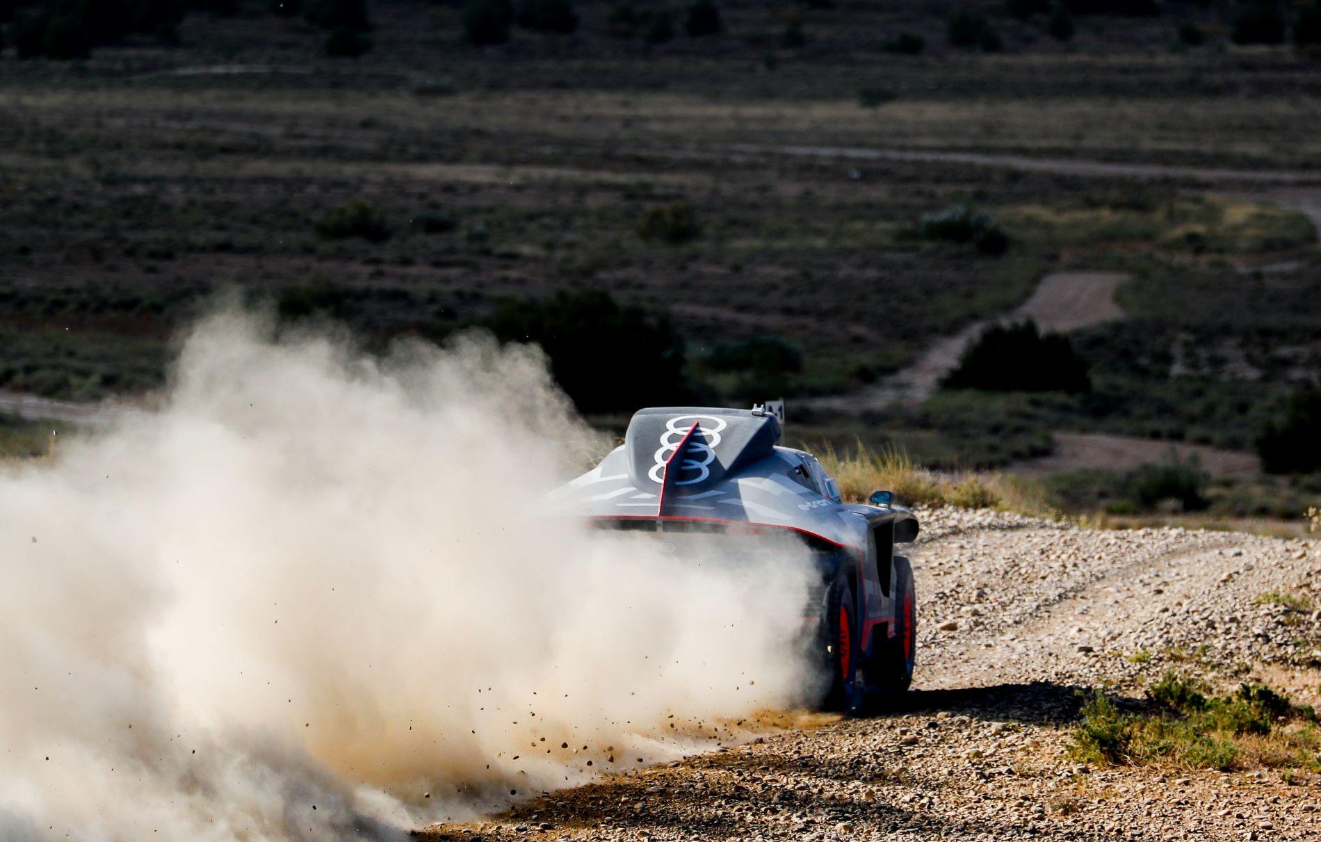 Audi Rs Q Etron Zaragoza Tests Back