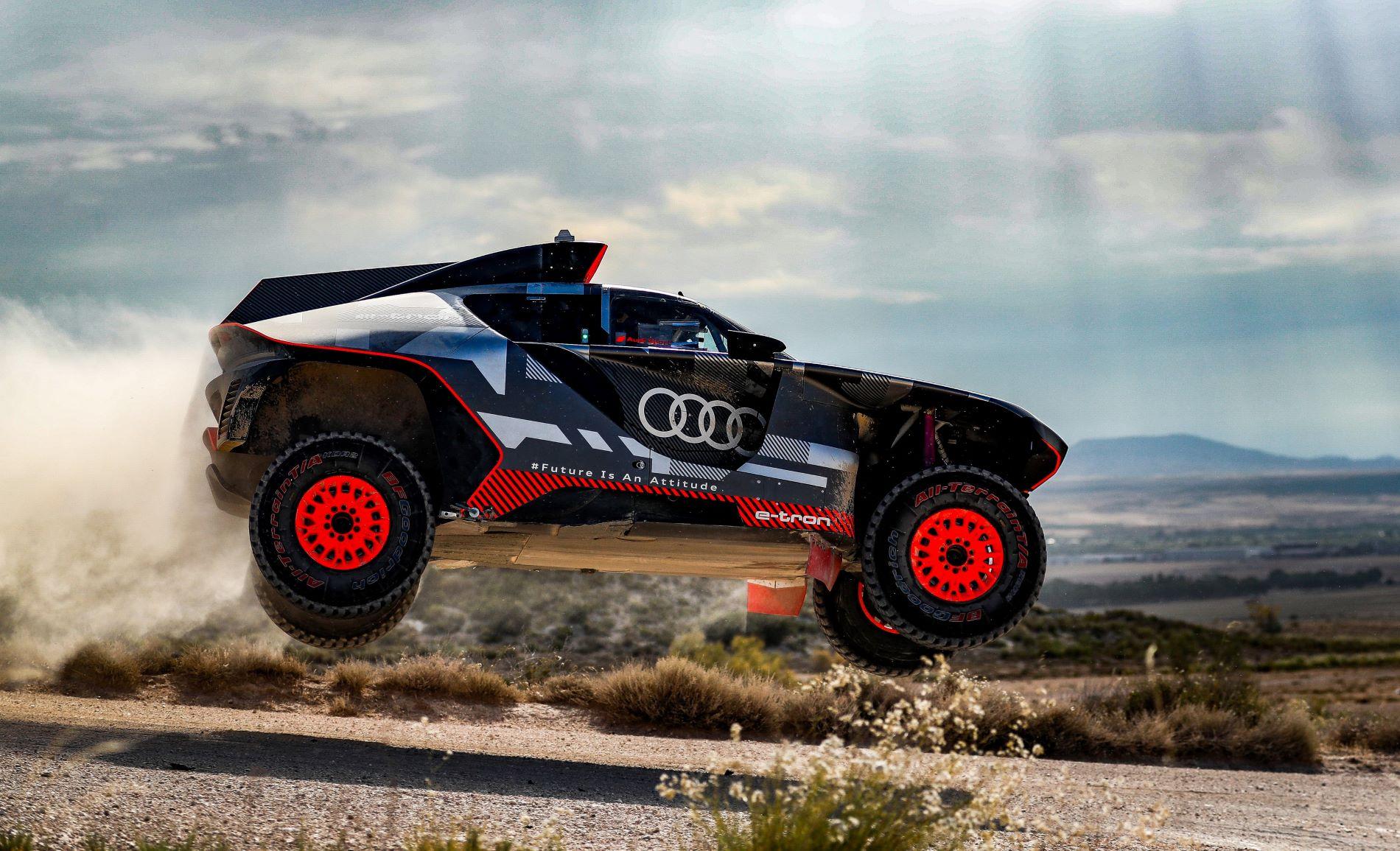 Audi Rs Q Etron Zaragoza Tests Jump