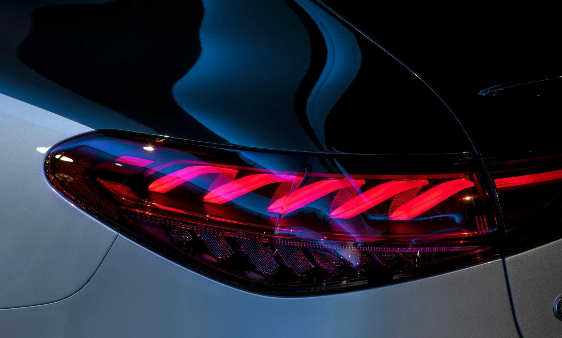 Mercedes Benz Eqs Light