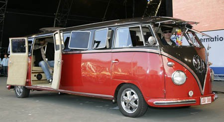 Volkswagen Microbus Limusina Puertas Abiertas 1