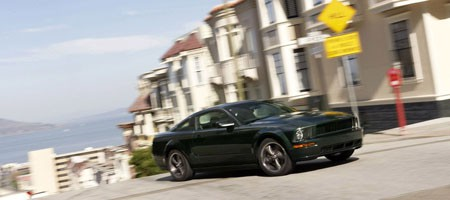 Ford Mustang Bullit Frontal Lateral Curva