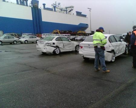 370 BMW dañados en un barco (1)
