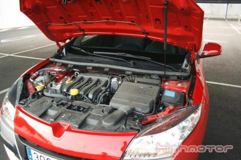 Renault Megane Coupé 1.6 dynamique 110 CV