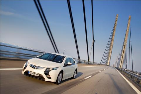 Opel_Ampera01