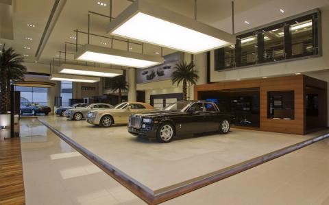 rolls_royce_abu_dhabi_dealership_images_002.jpg