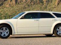Un Dodge Magnum del 2005