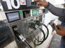 Francia: el precio de los carburantes es frenado por decreto