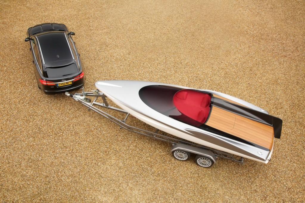 Jaguar-XF-Sportbrake-Speedboat-6[2]