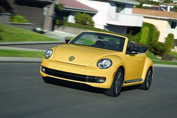 Salón de Los Ángeles: Volkswagen presenta en premiere mundial al Beetle Cabrio y Jetta híbrido