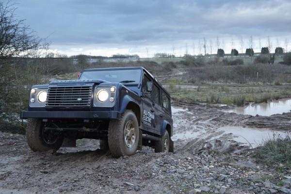 Land Rover Defender EV Highmotor (12)