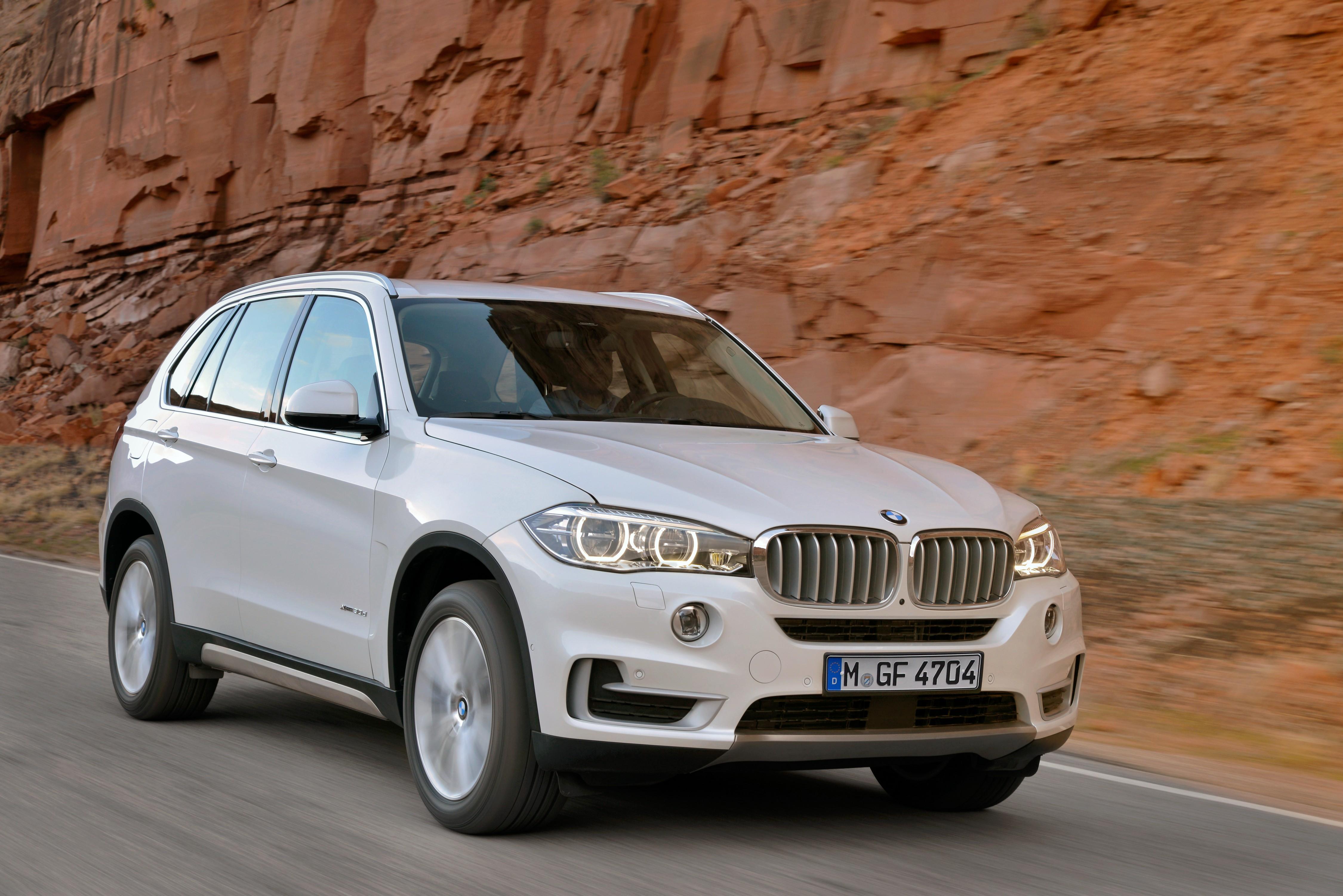 El BMW X5 se lava la cara profundamente