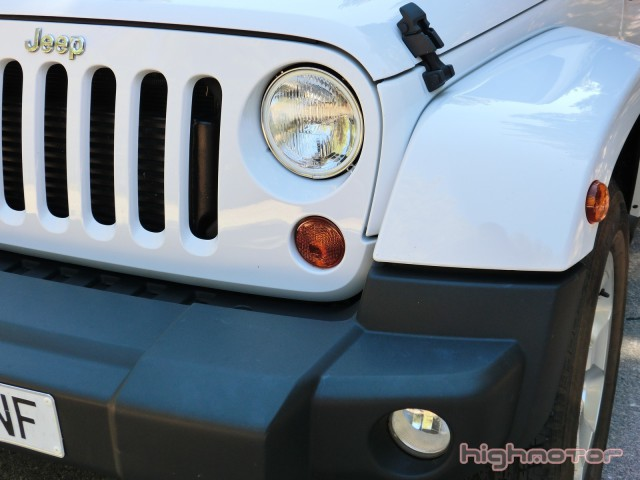jeep-wrangler-sahara-203