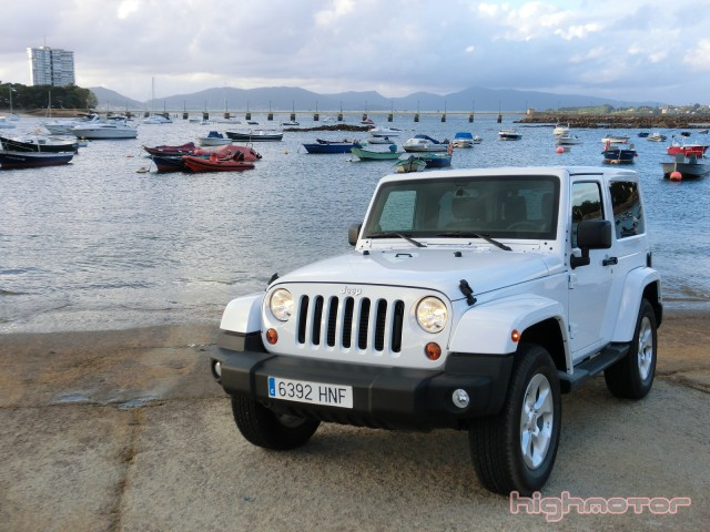 jeep-wrangler-sahara-211