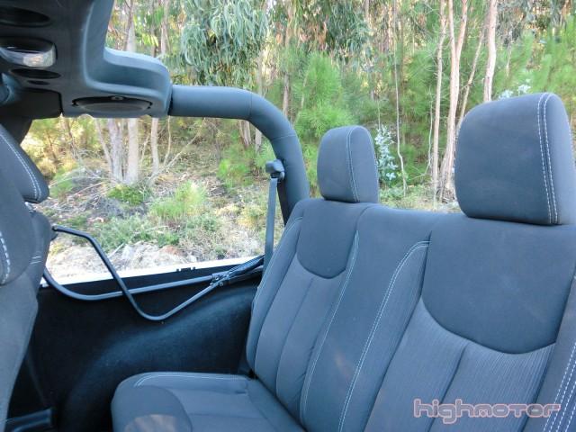 jeep-wrangler-sahara-213