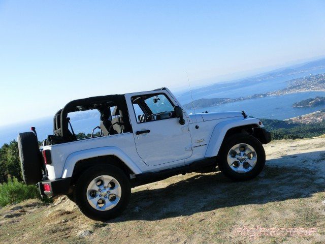 jeep-wrangler-sahara-215