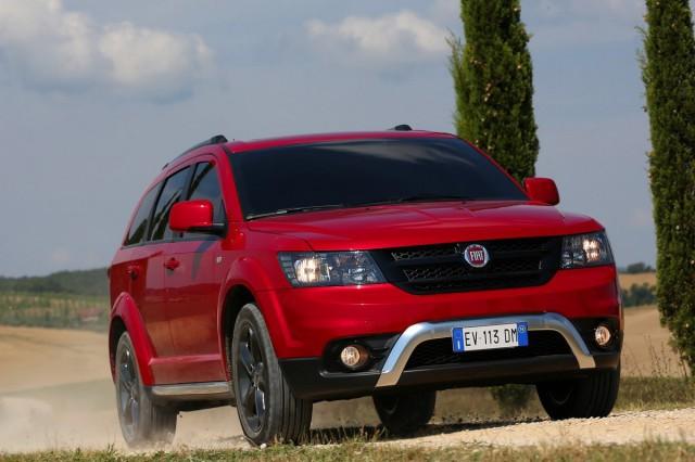 Fiat-Freemont-Cross-5