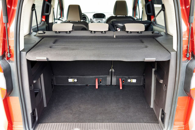Ford-Tourneo-Courier-3