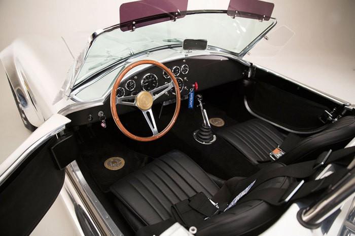shelby-cobra-427-50th-anniversary-edition (7)