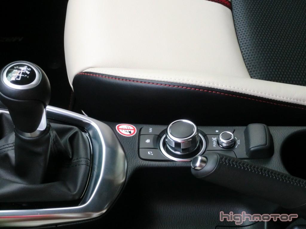 Mazda-2-2015-115