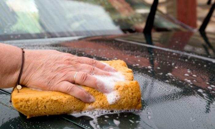 Consejos para limpiar el coche y que quede bien brillante