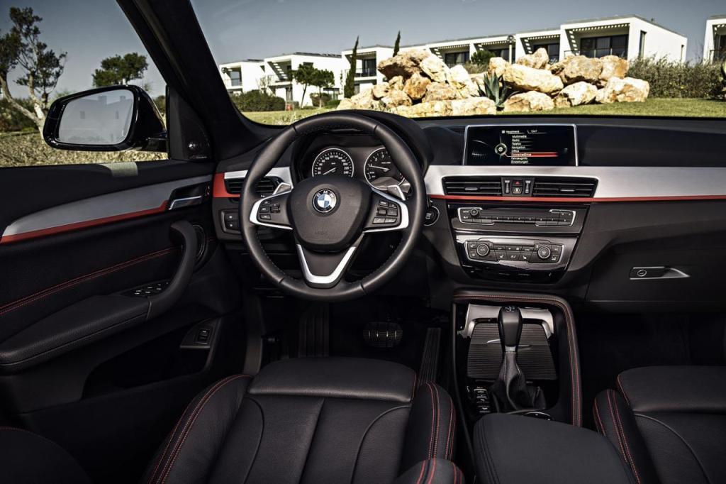 BMW X1 2016 (4)