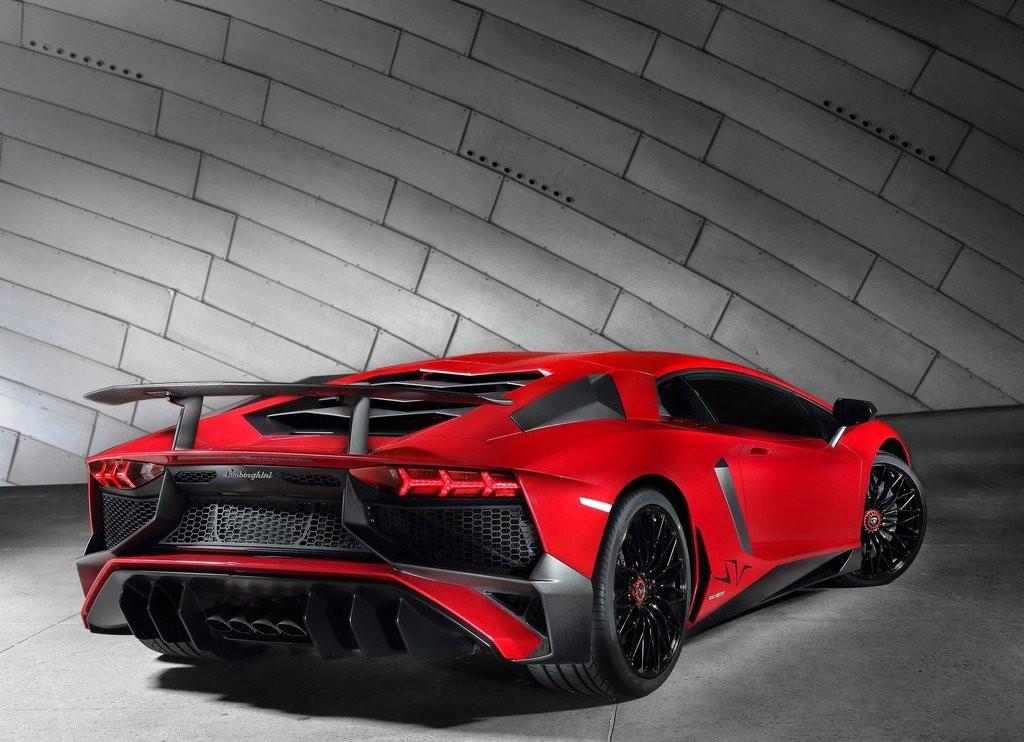 Lamborghini Aventador LP 750-4 SuperVeloce (2)