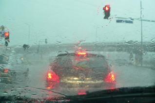 Consejos para conducir en periodos de lluvias intensas