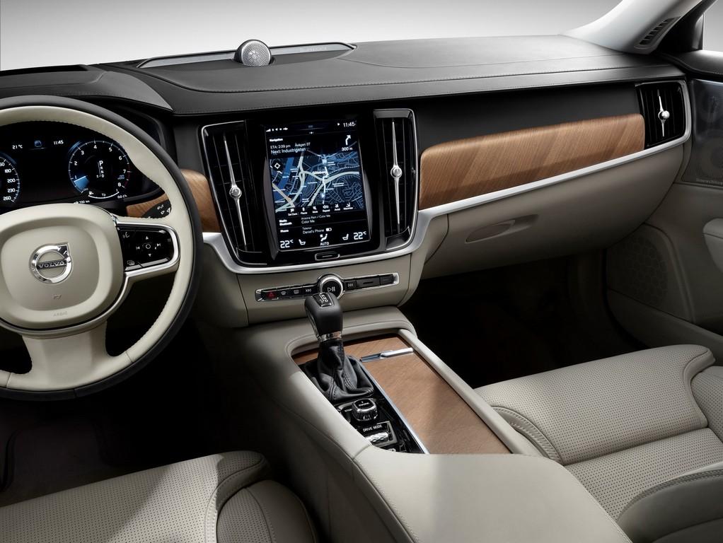 El estreno mundial del Volvo S90 en Detroit nos trae esta galería de imágenes