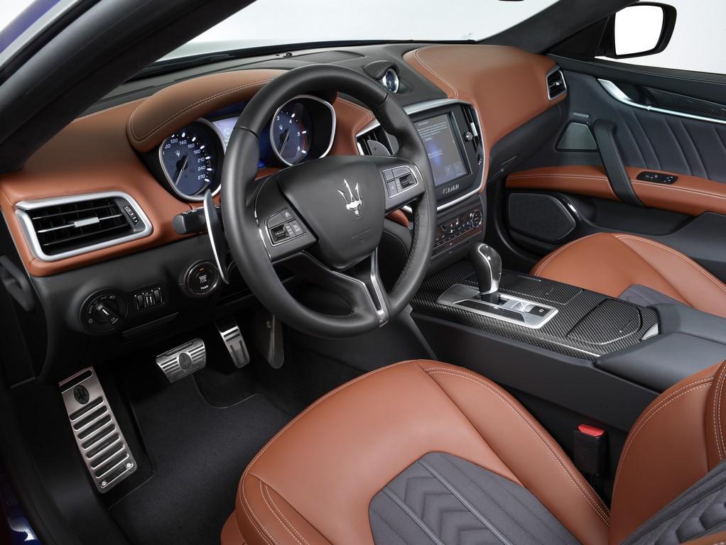 Maserati Ghibli Ermenegildo Zegna_interiors (11)