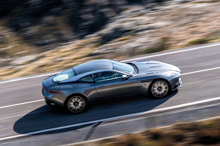 Aston-Martin-DB11_CS4