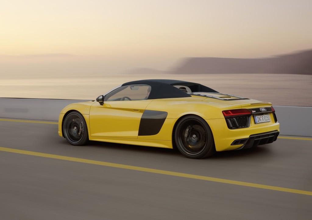 Audi R8 Spyder (8)