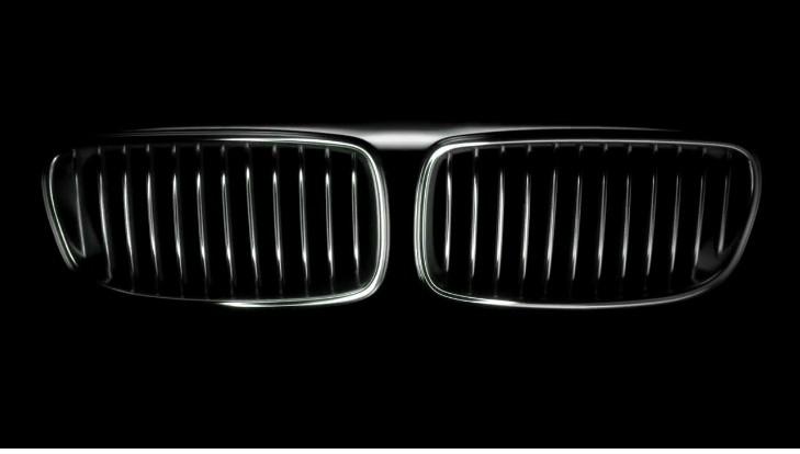 Lo cortés no quita lo valiente: así felicita Mercedes a BMW por su centenario