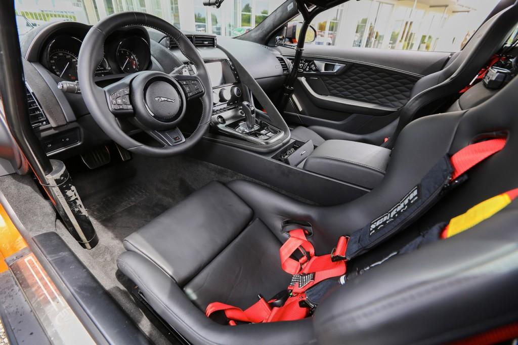 SB2_4308_Jaguar F-Type SVR Ring Cat_Jaguar F-Type SVR Ring Cat