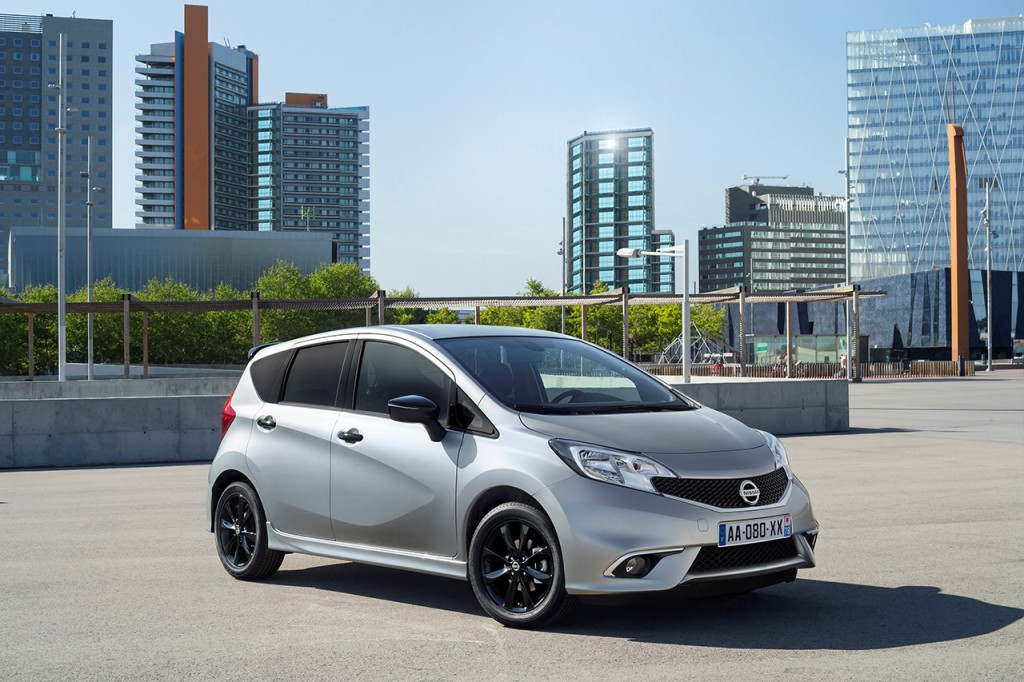 nissan-note-black-edition-1