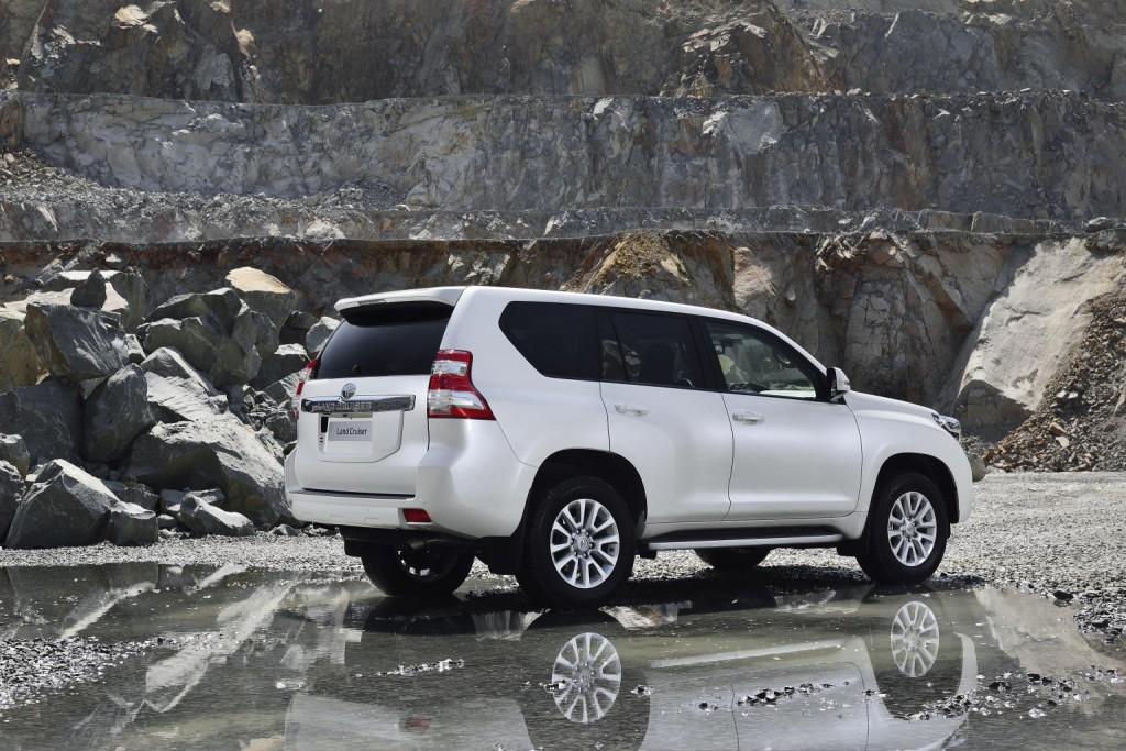 Toyota-Land-Cruiser-2