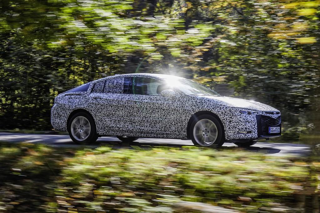 Opel anuncia la fabricación del Crossland X en España y la llegada de nuevos modelos