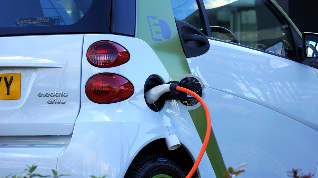 Los grandes fabricantes alemanes y Ford se alían para crear una Red de Carga Eléctrica de Alta Potencia en autopistas