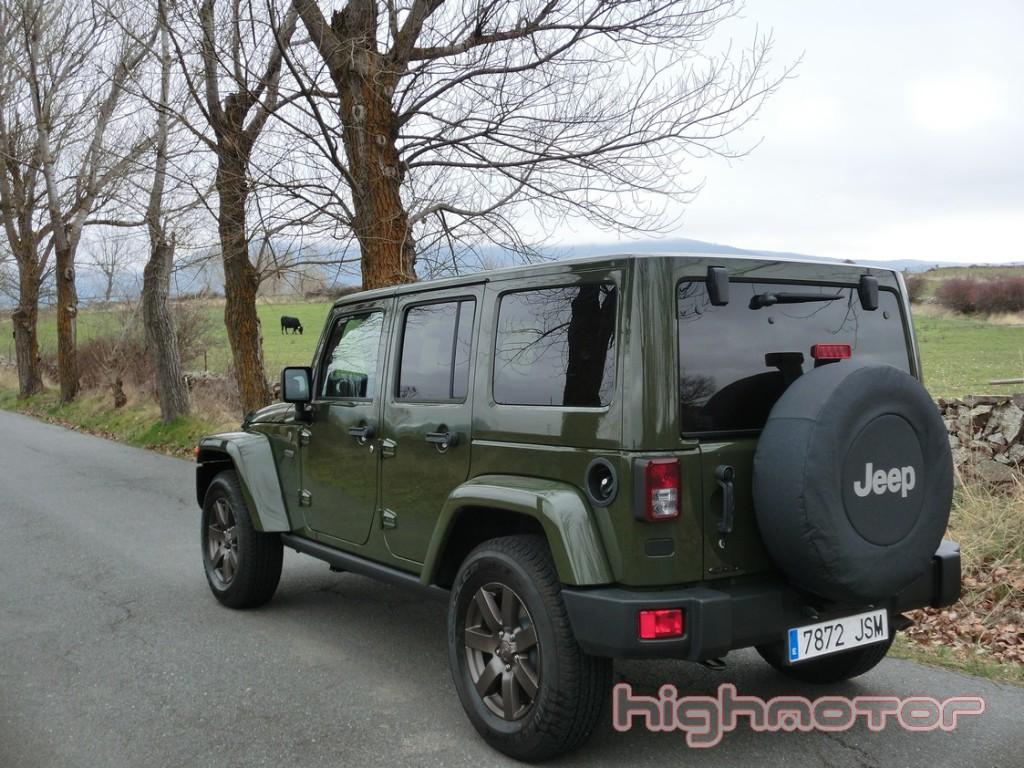 jeep-wrangler-unlimited-75-aniversario-1004