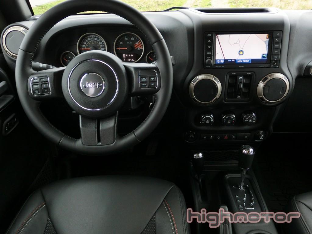 jeep-wrangler-unlimited-75-aniversario-1039